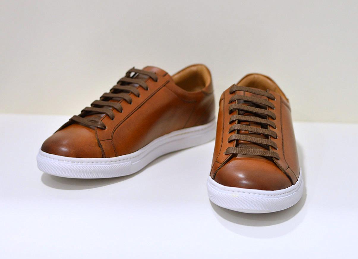 Berwick 1707 edler handgearbeiteter Sneaker VEGANO Tan in cognac