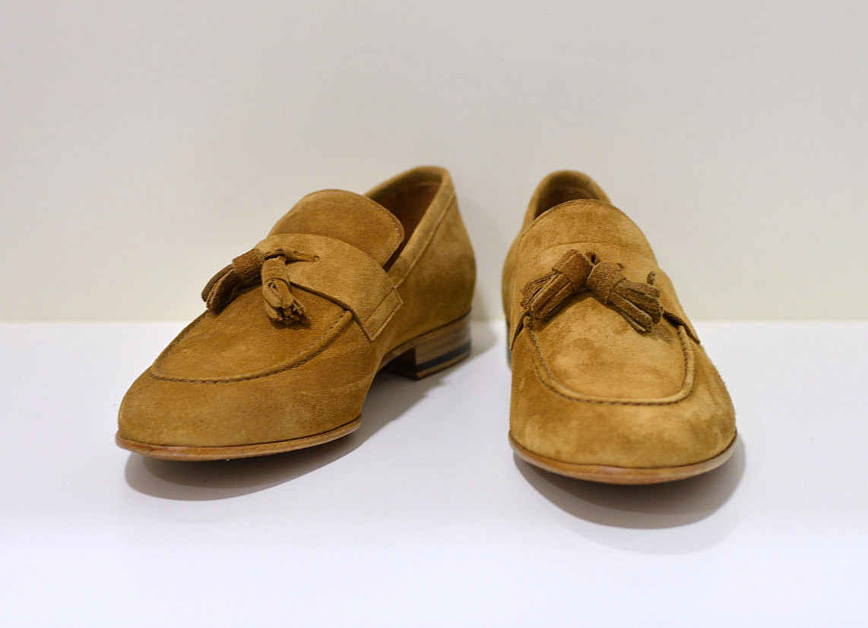 Berwick 1707 Tassel Loafer aus  Wildleder Florence mit genähter Ledersohle
