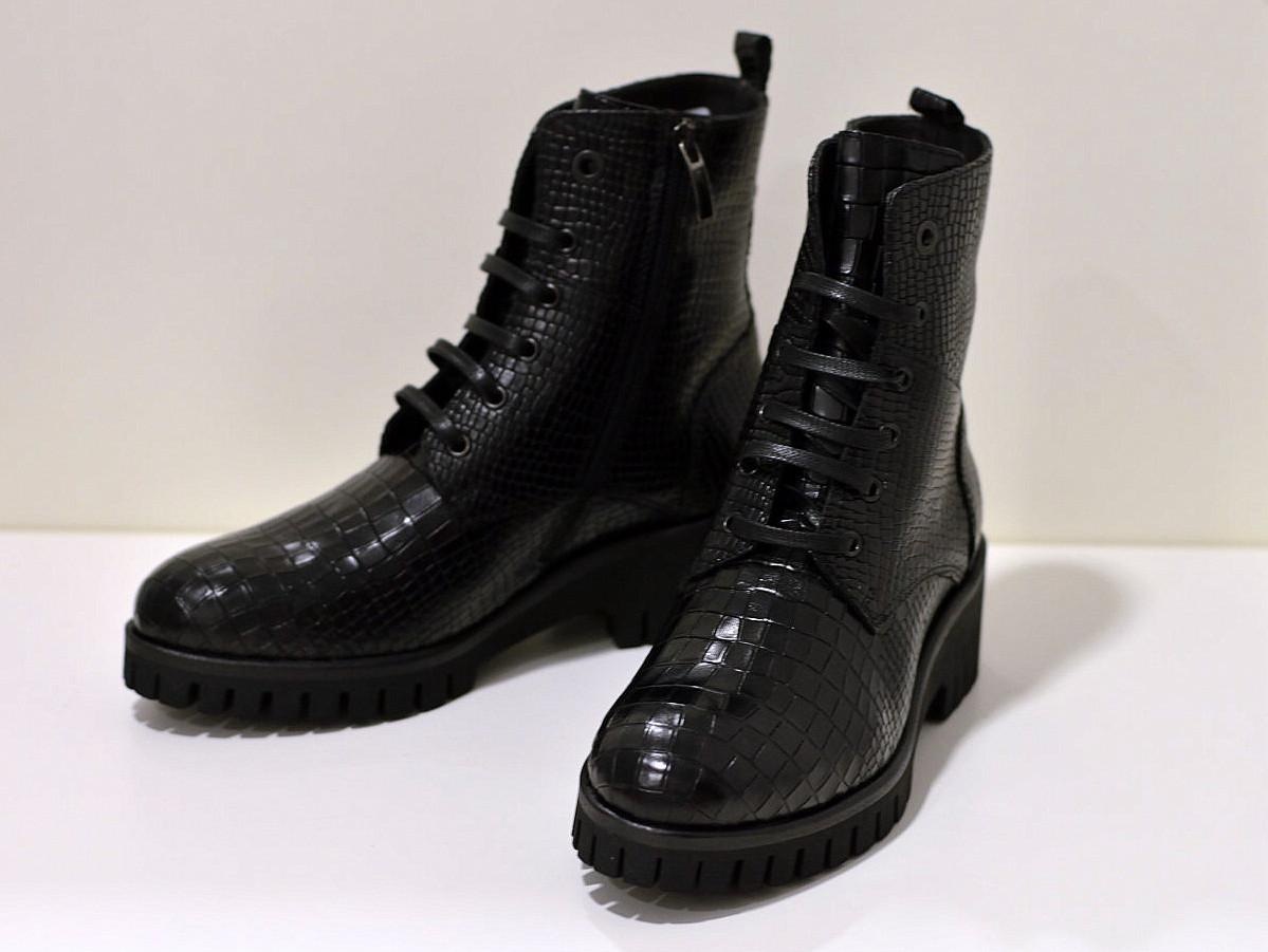 Benson Made in Italy rockige Leder Stiefelette  in Schwarz Caiman