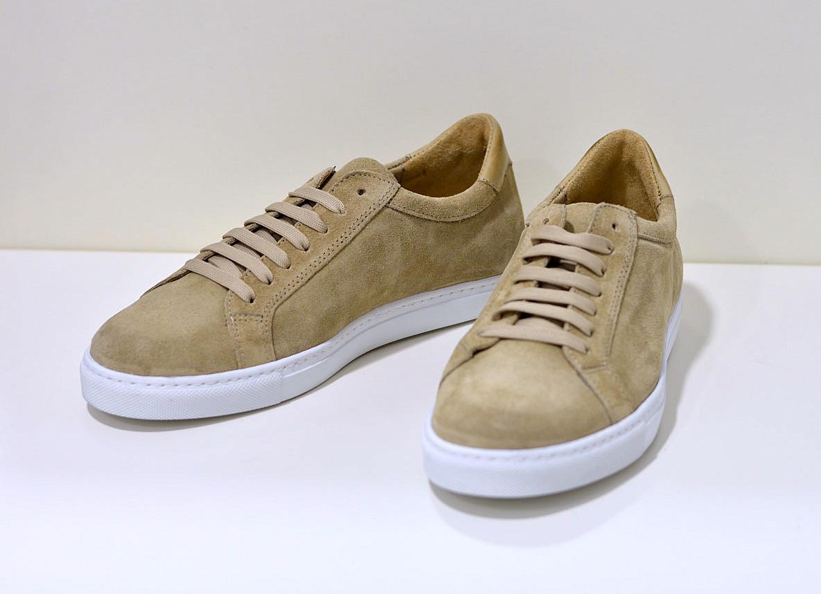 Benson edler Sneaker aus Nubukleder in beige