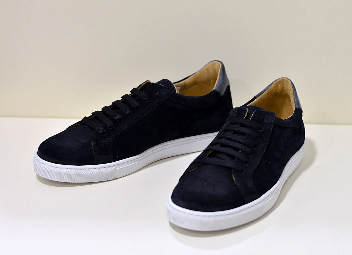 Benson edler Sneaker aus Nubukleder in tief blau